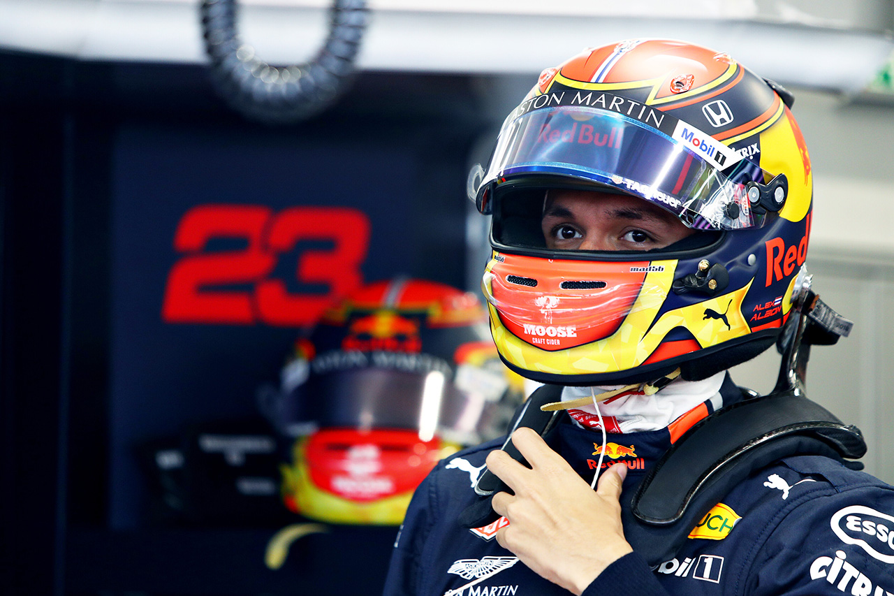 アレクサンダー・アルボン 「初めてのトラックを言い訳にはしたくない」 / レッドブル・ホンダ F1ブラジルGP 予選