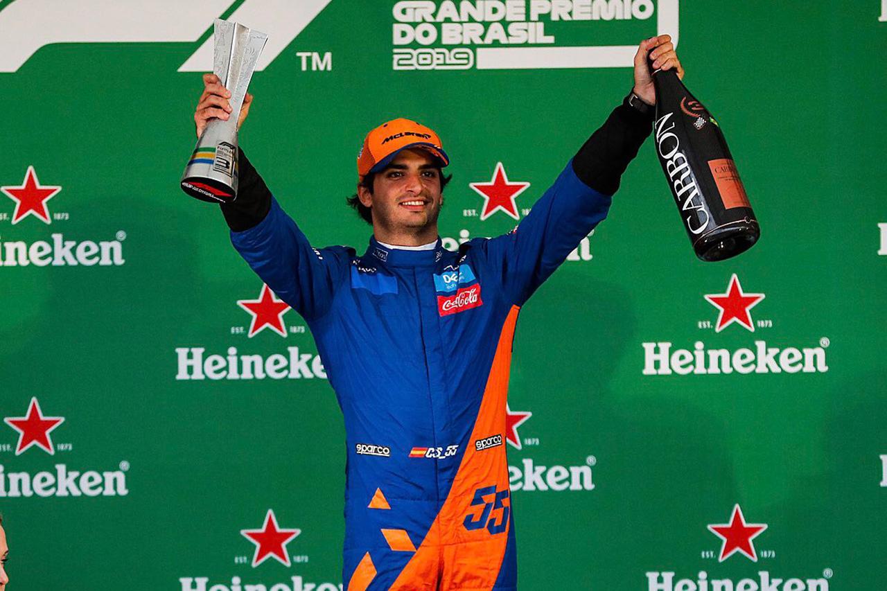 カルロス・サインツ、F1初表彰台 「マクラーレンにとっても特別な日」 / F1ブラジルGP