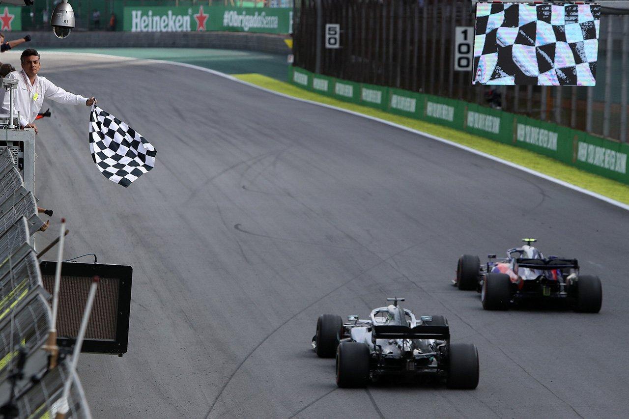 「メルセデスがトロロッソを抜けなかったのは驚き」と元F1ドライバー