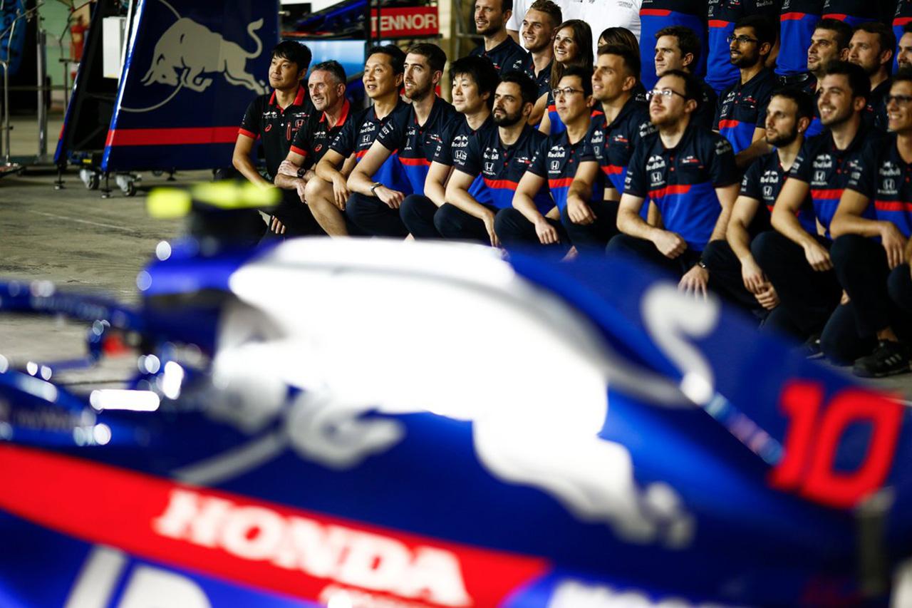 今年で見納め? トロロッソ・ホンダ 2019年 F1チーム集合写真