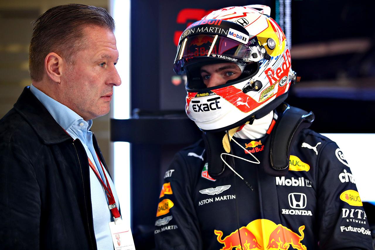 マックス・フェルスタッペン陣営、メルセデスとフェラーリとの交渉を示唆