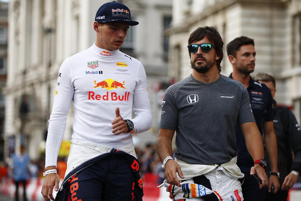 フェルスタッペン 「アロンソはF1復帰で時間を無駄にすべきではない」