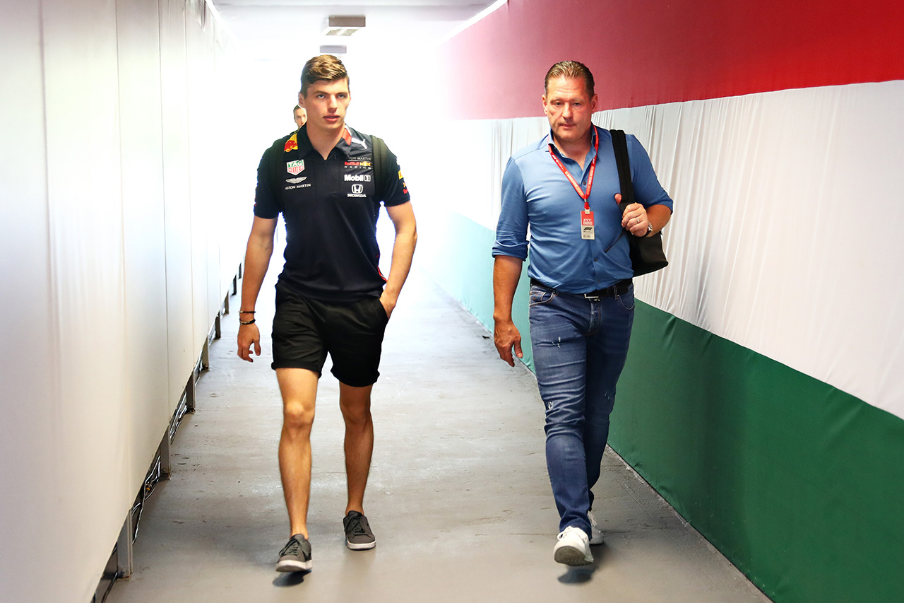 「フェルスタッペンがメルセデスと契約していたらF1王座を獲っていた」
