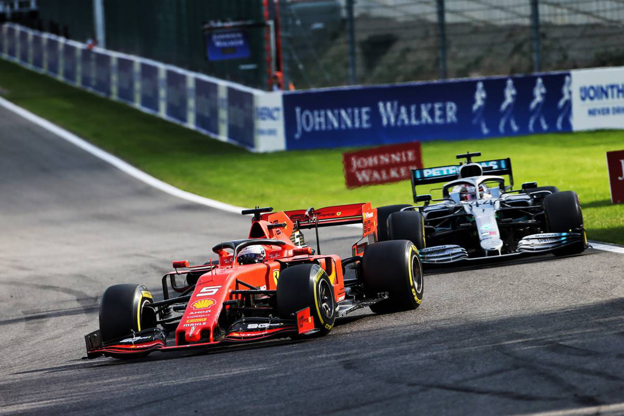 ルイス・ハミルトン 「縁石ではベッテルのフェラーリの方が安定していた」