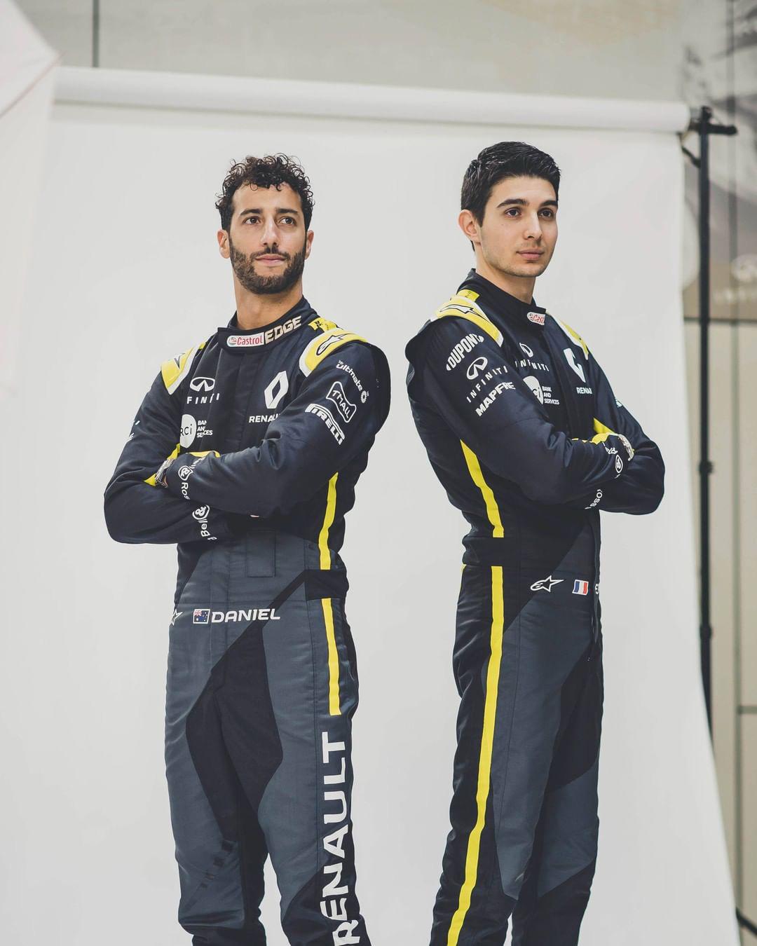 ルノーF1チーム 2020年 レーシングスーツ