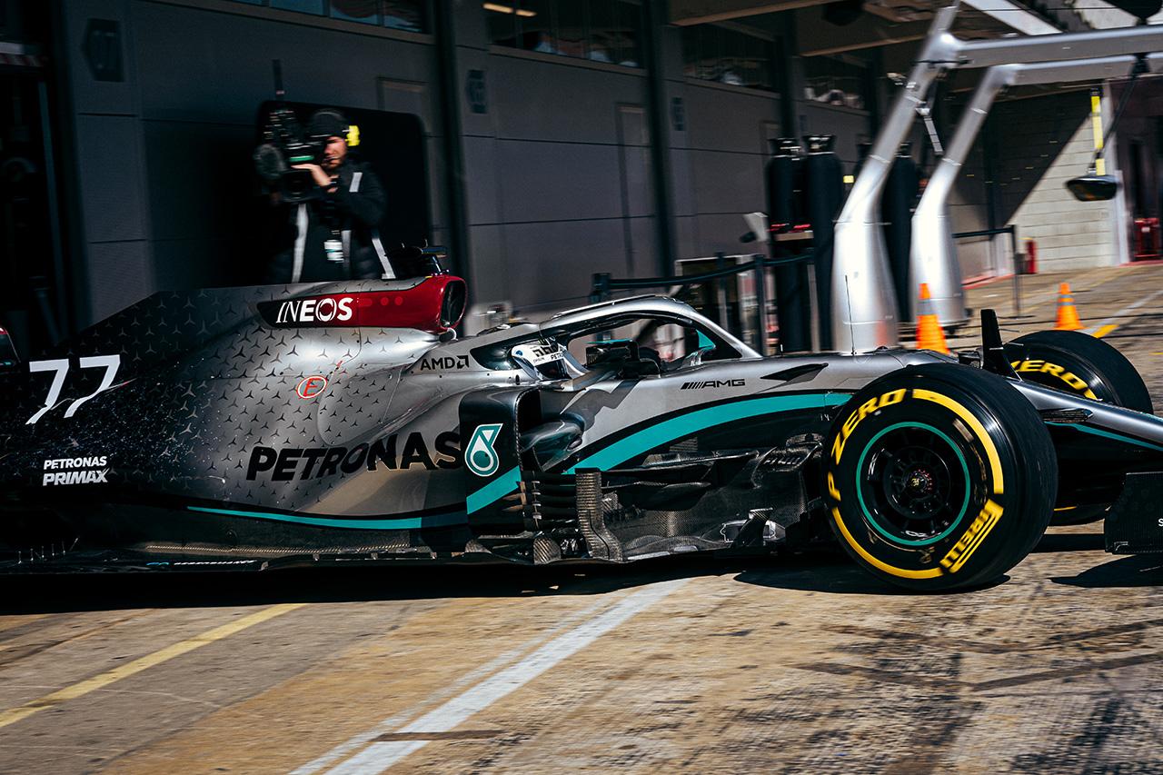 メルセデスF1、テスト第1週に2020年型F1エンジンに深刻な問題