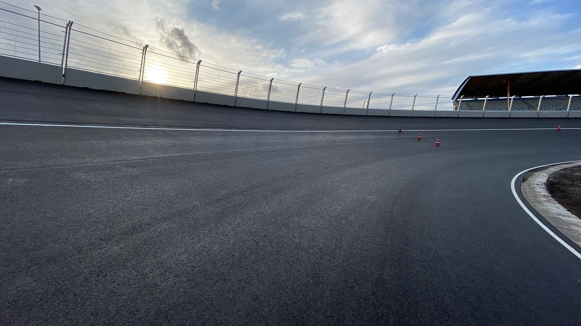 F1オランダGP ザントフォールト バンクコーナー 画像