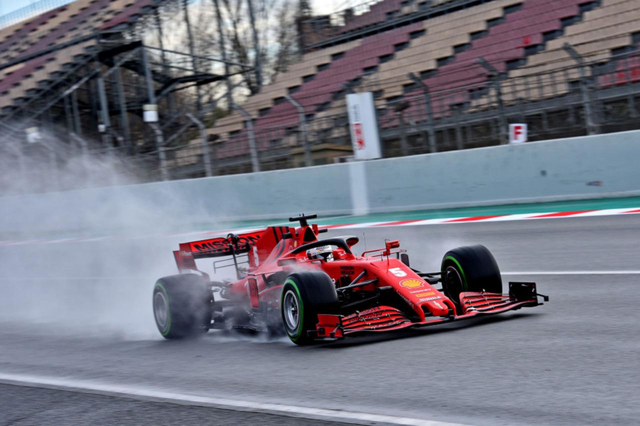 F1 ピレリとフェラーリ、新型肺炎の影響で18インチタイヤのテストを中止