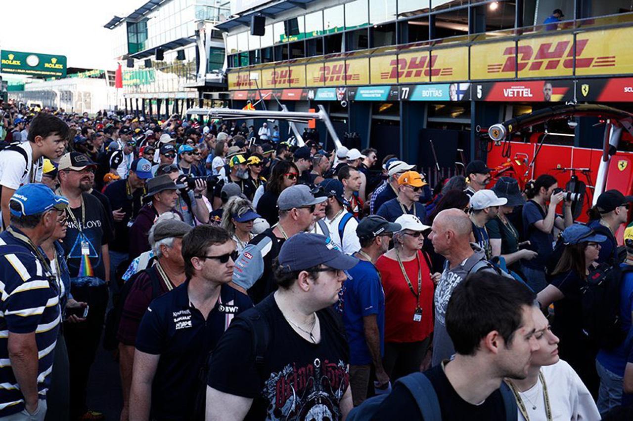 F1ファン、オーストラリアGPを即中止にしないF1上層部に怒り