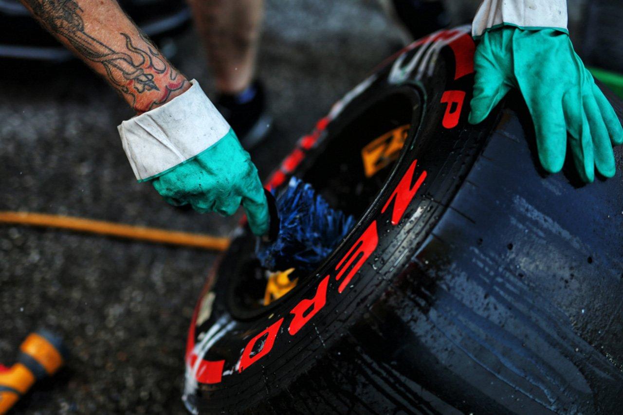 ピレリ、F1オーストラリアGPの中止で1800セットのタイヤを廃棄処分