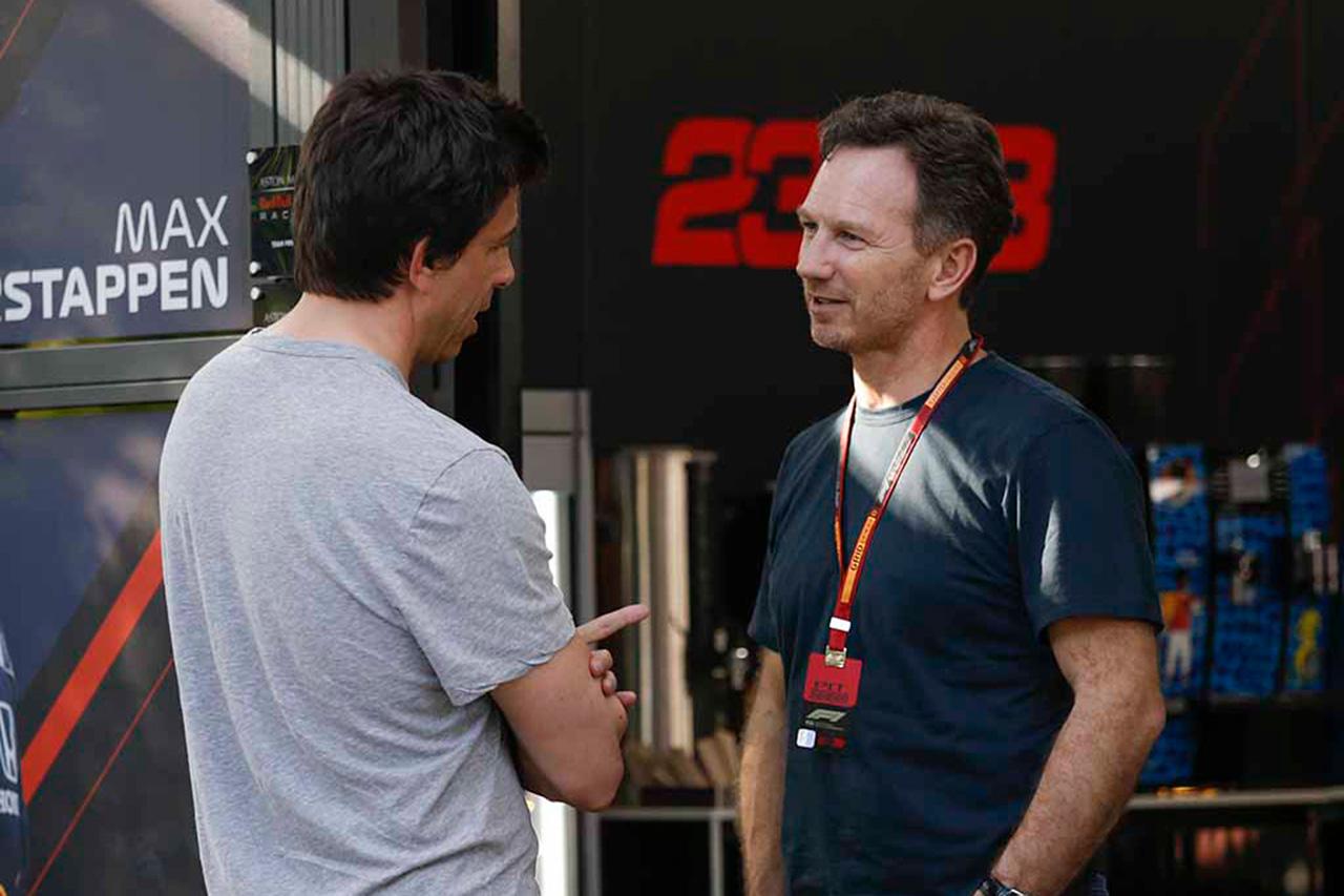 F1:メルセデスとレッドブルはファクトリーを閉鎖せず作業を継続 / 新型コロナウイルス