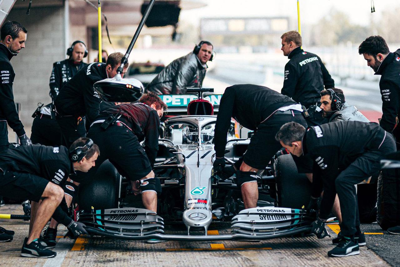 メルセデスF1、新型コロナに声明「レースは娯楽であり不可欠ではない」
