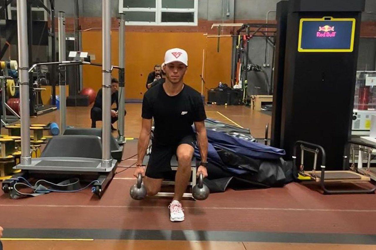 ピエール・ガスリー、ヨーロッパには戻らずドバイで体力トレーニング / アルファタウリ・ホンダF1