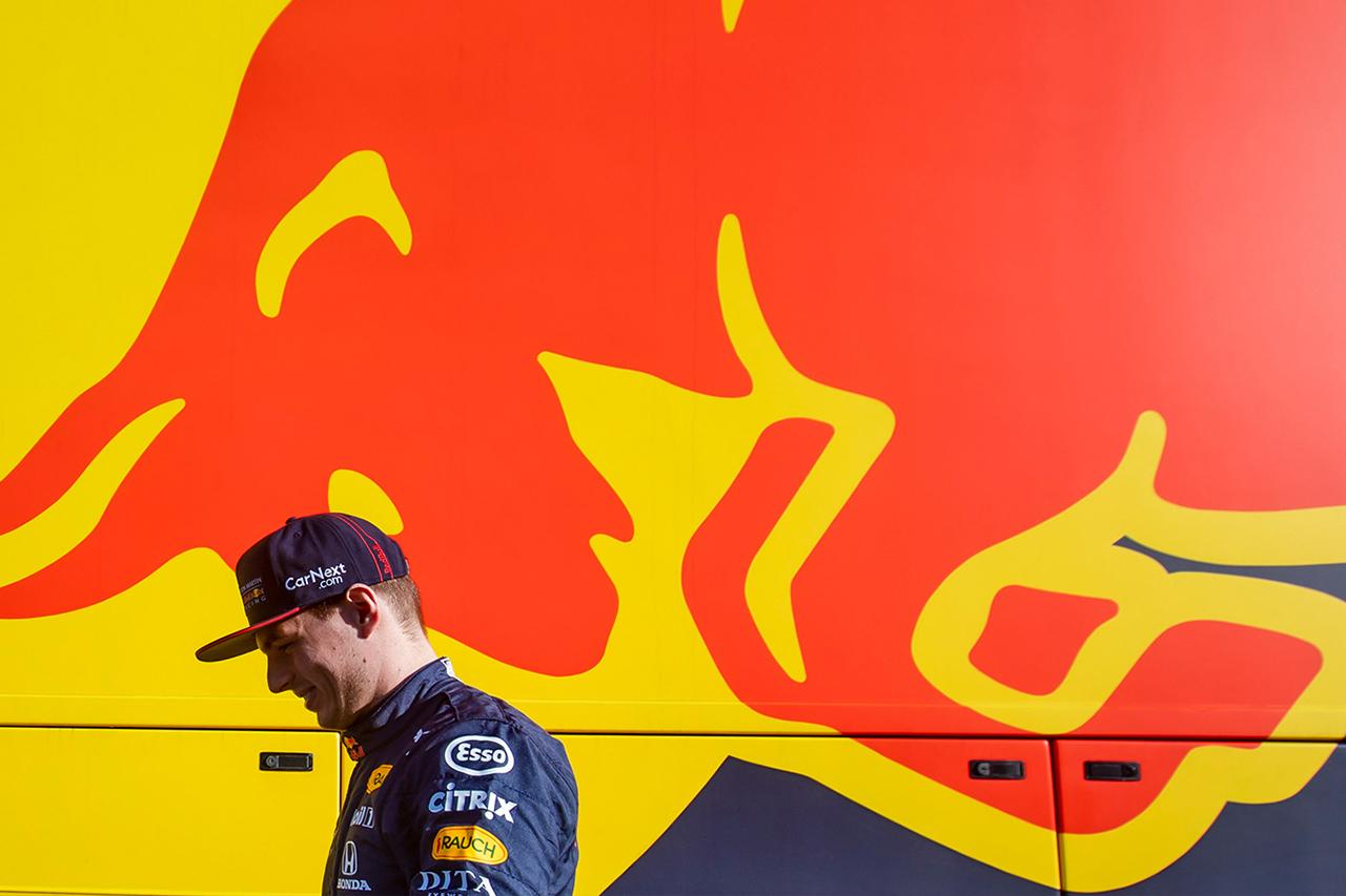 レッドブル・ホンダF1 「フェラーリとFIAとの秘密の合意への追及はやめない」