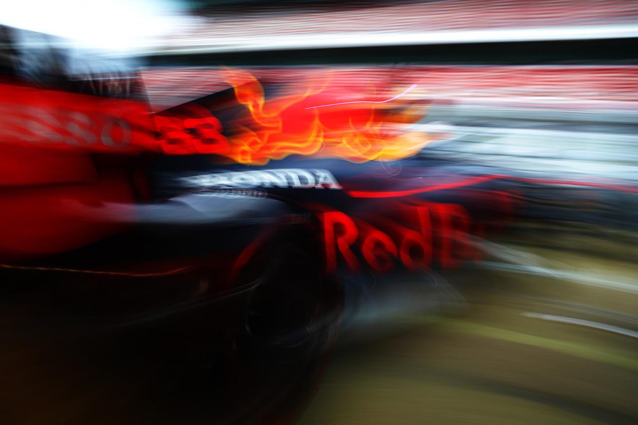 F1:自動車メーカーがモータースポーツに巨額投資する時代は終わった?