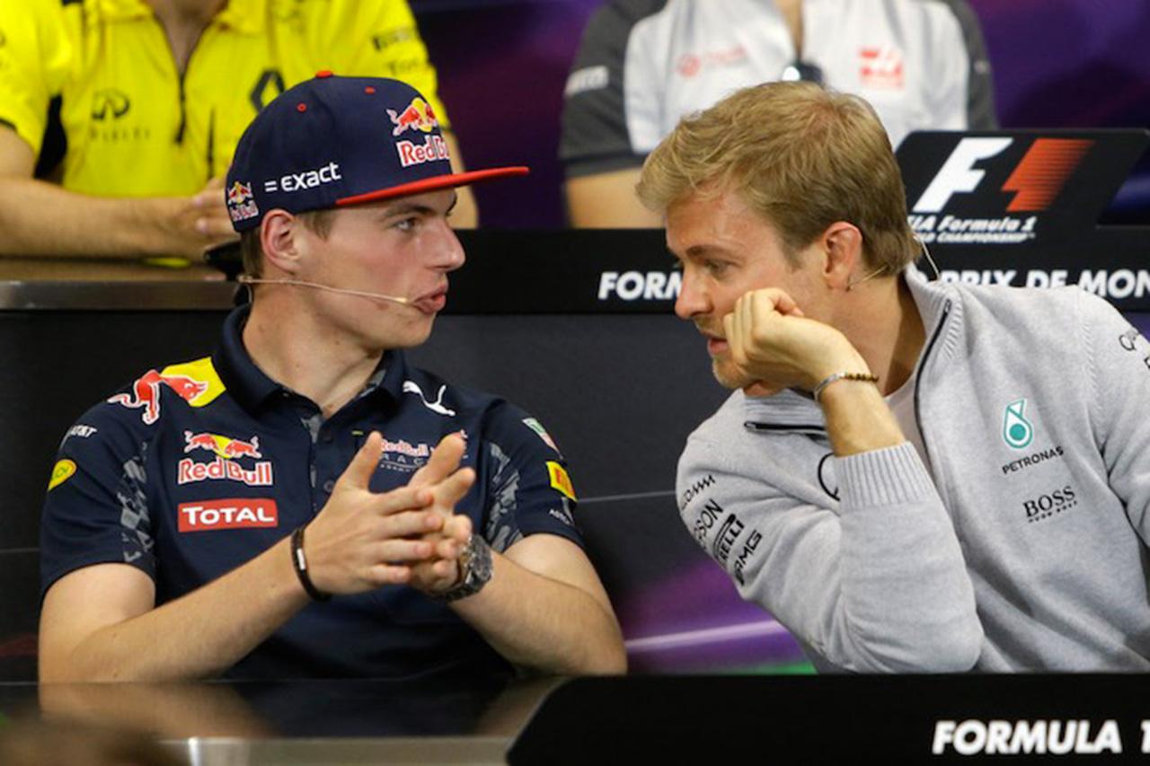 「フェルスタッペンが近くにいるとリタイア率が高まる」と元F1王者