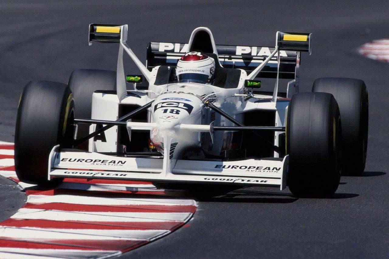 "F1デバイス列伝:ティレルが導入した""Xウイング"""