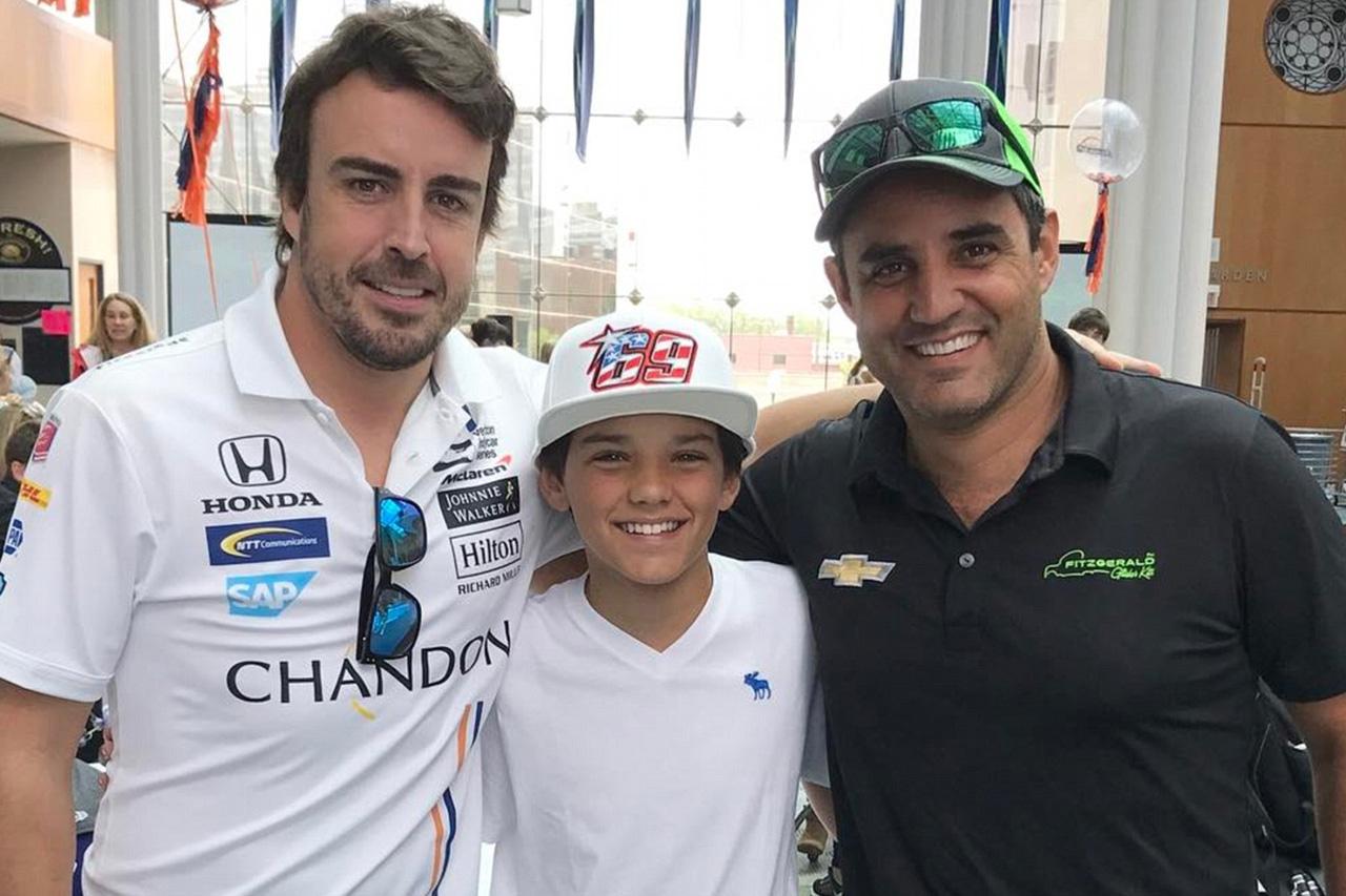 ファン・パブロ・モントーヤ 「アロンソとどっちが先に3冠を獲るかを競うつもりはない」 / F1ニュース