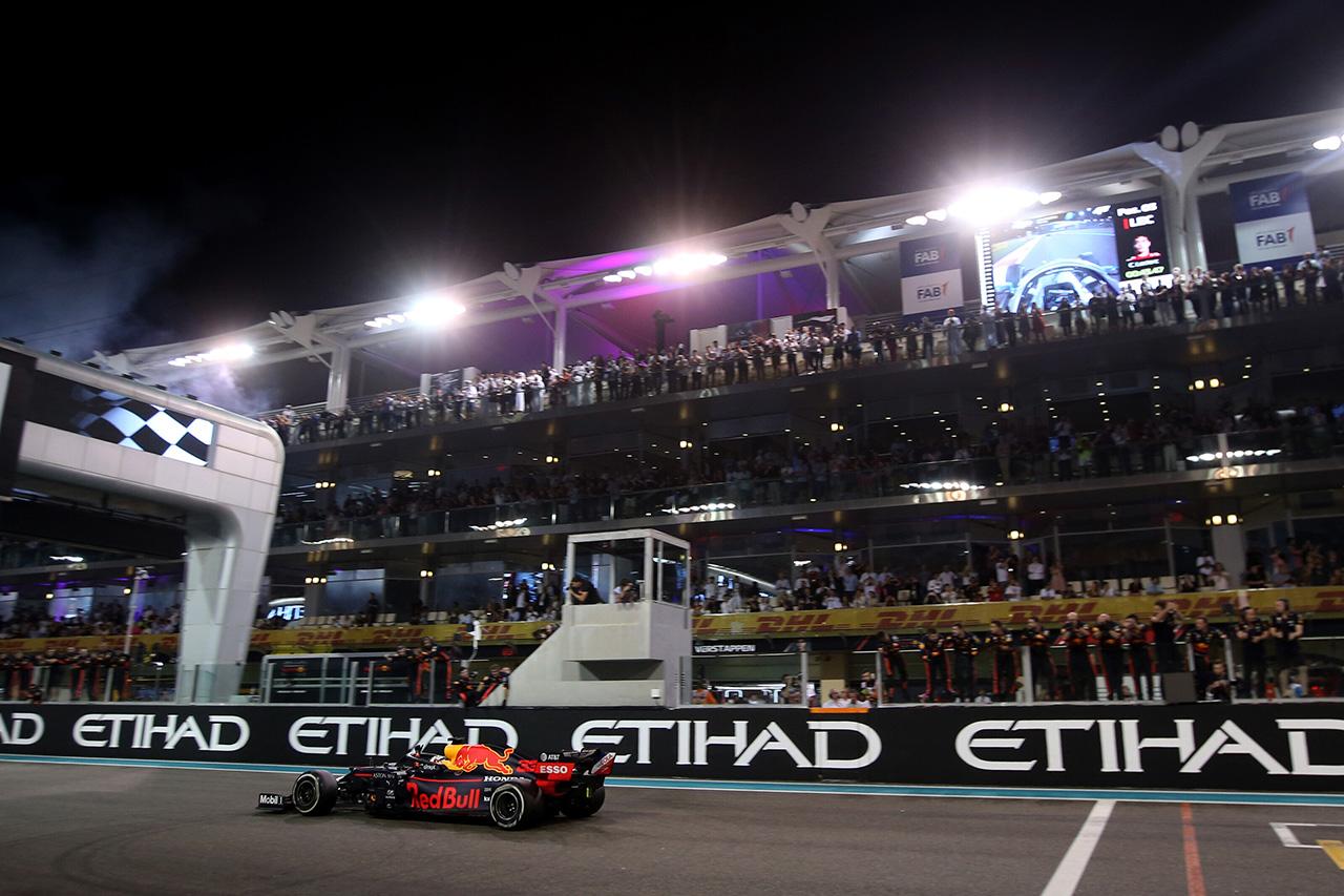 F1 「レースに観客を入れるかどうかの決断は急いでいない」