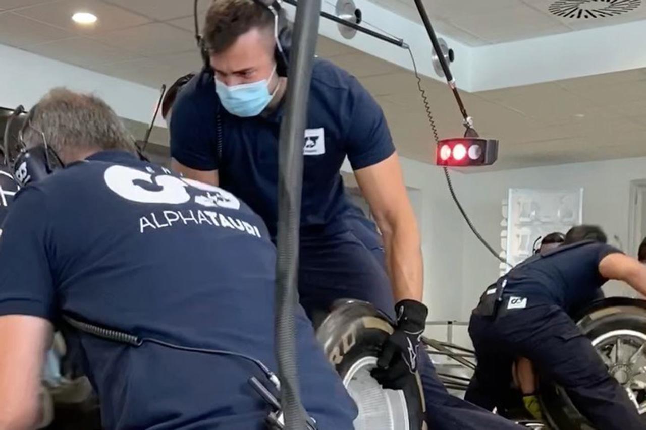 F1開幕まで10日!アルファタウリ・ホンダF1がピットストップ練習を公開