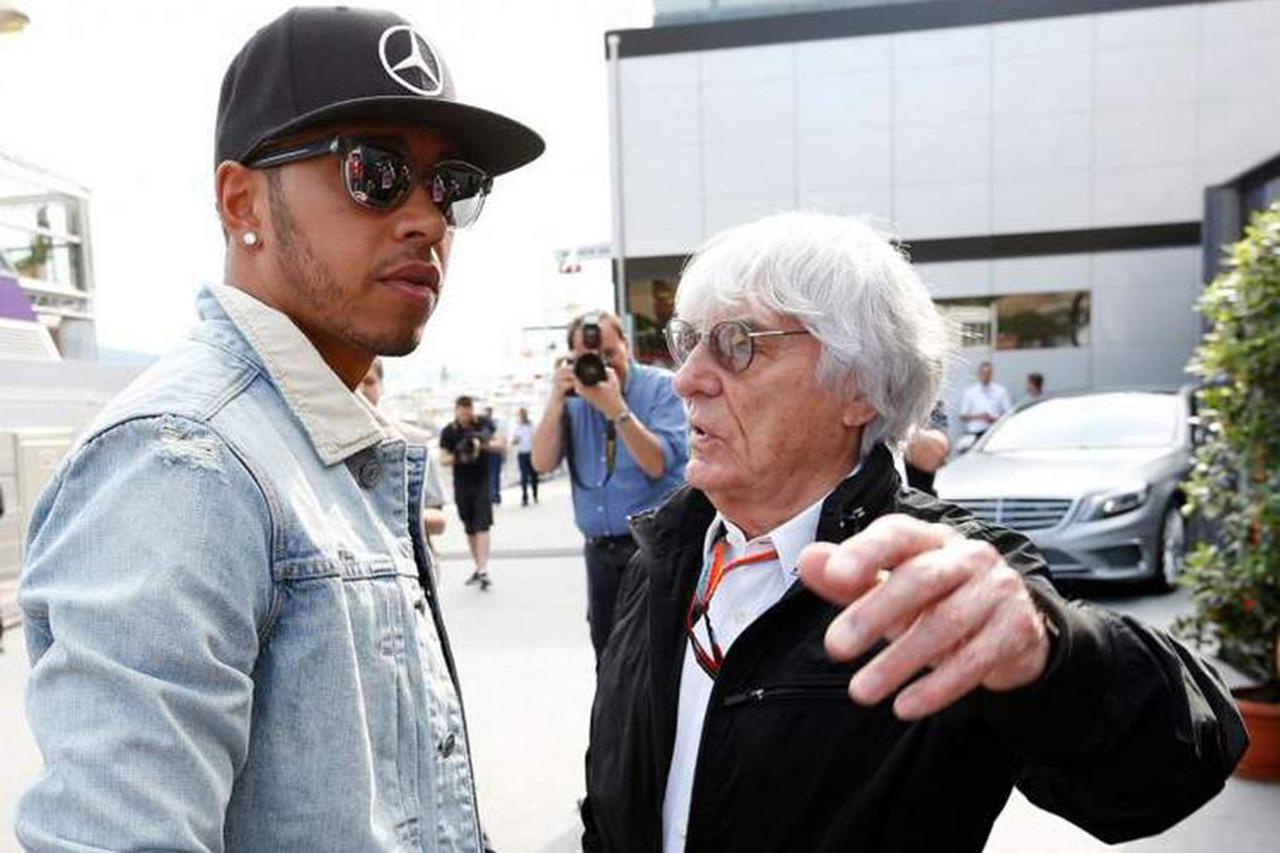 F1王者ルイス・ハミルトン、人種差別的発言のエクレストンを猛批判 「無知で教養に欠ける」