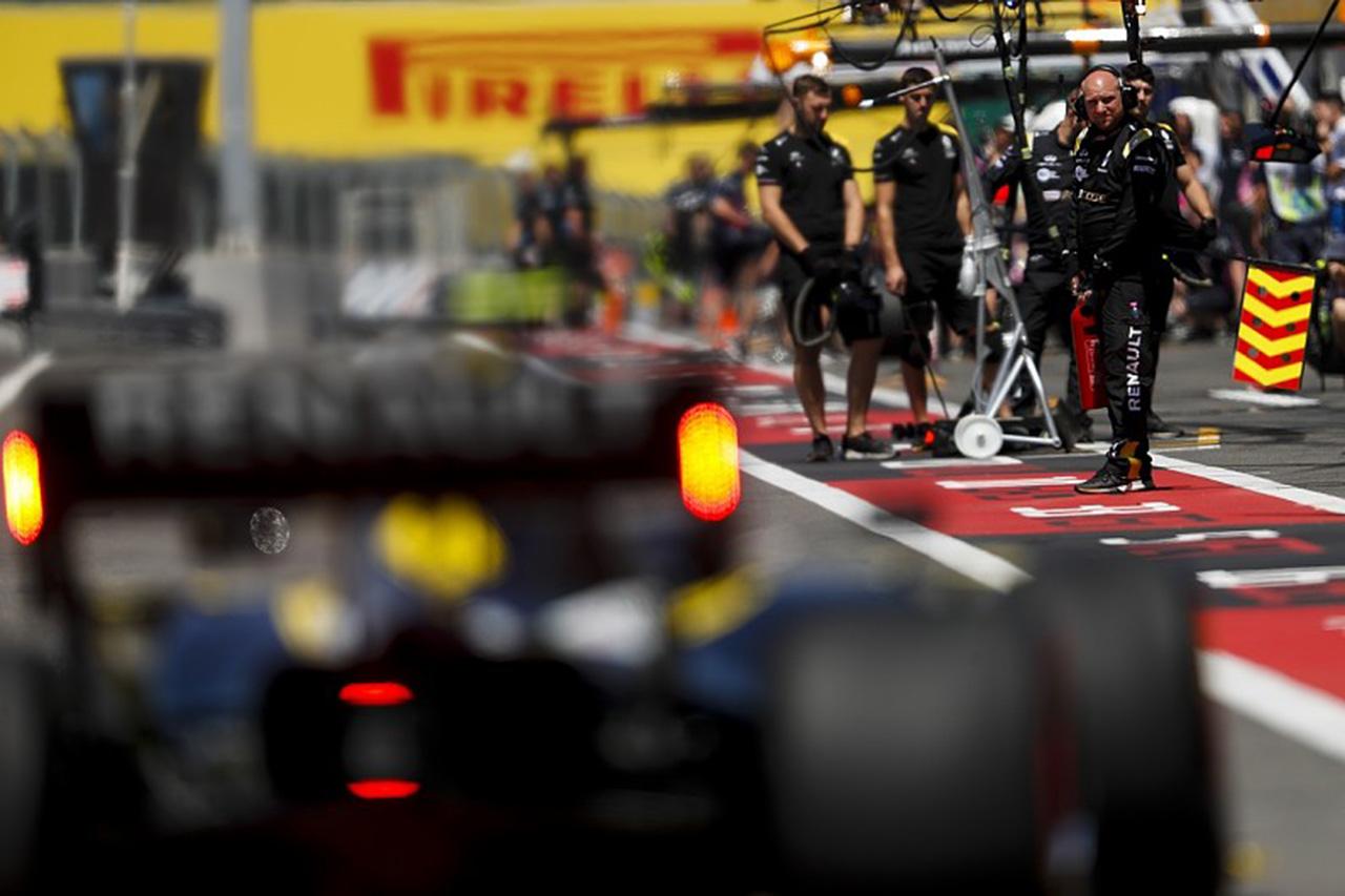 ルノーF1、1人の新型コロナ感染者によるレース欠場のリスクを懸念