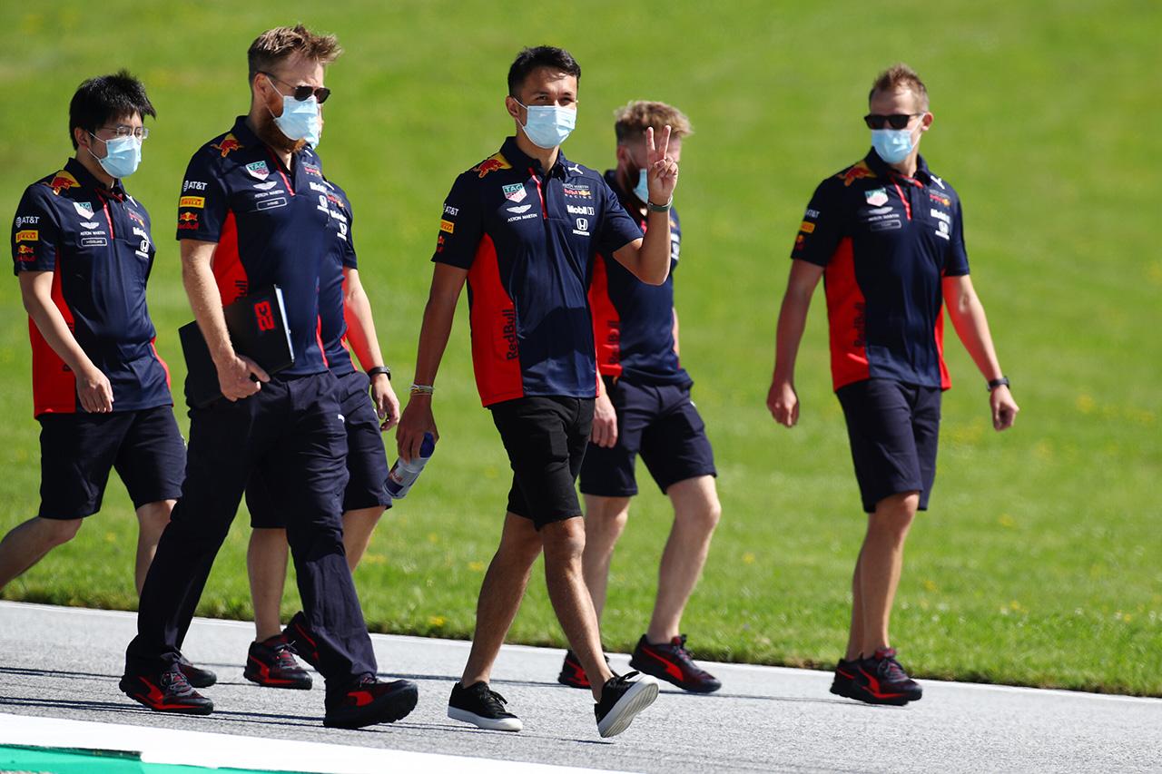 アレクサンダー・アルボン 「最初にレースのリズムに乗ったチームが勝つ」 / レッドブル・ホンダ F1オーストリアGP プレビュー