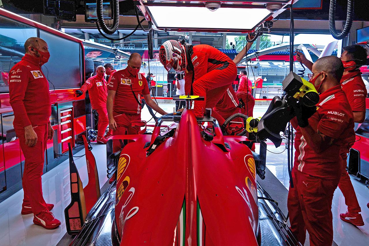 「フェラーリF1はイギリスに拠点を移すべき」とマーク・ウェバー