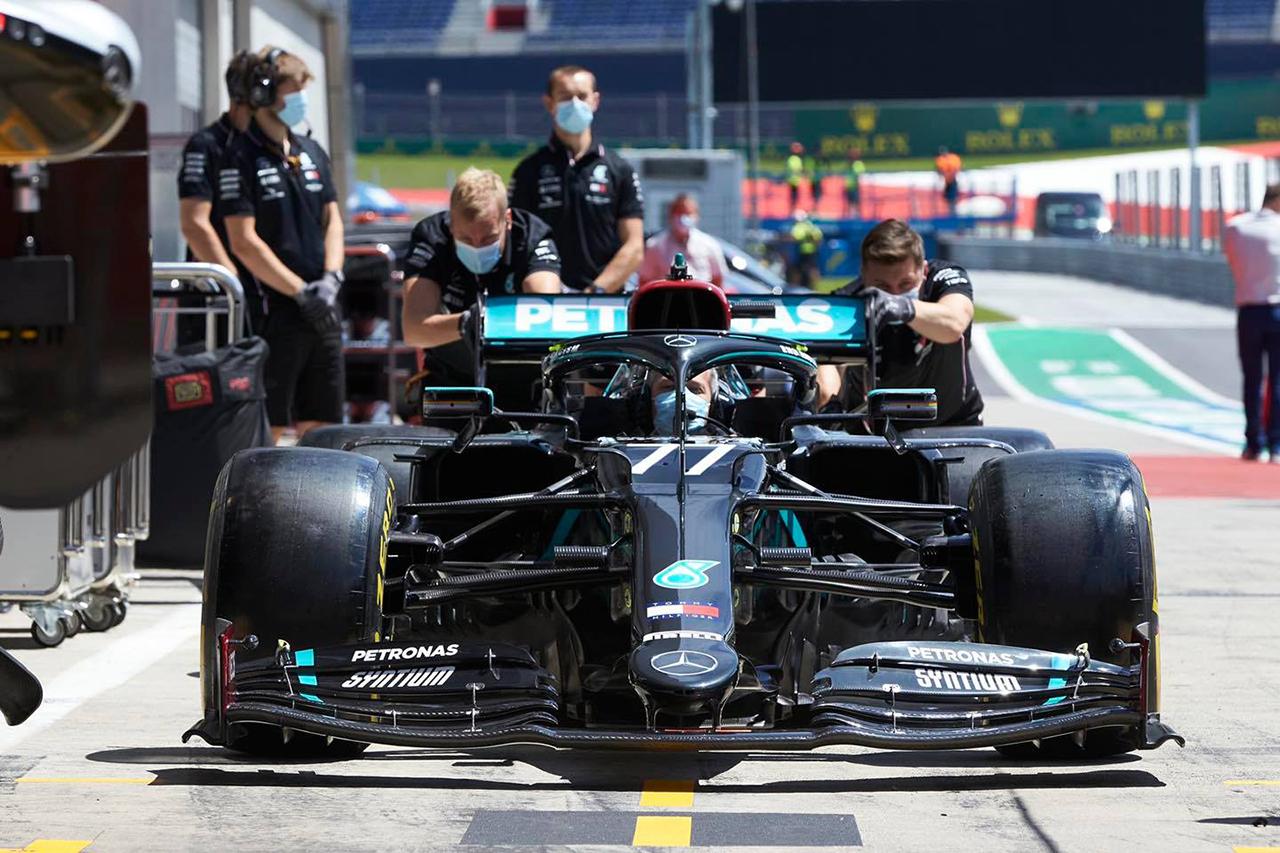 """メルセデスF1、オーストリアGPでのギアボックス問題は""""電気ノイズ""""が原因"""