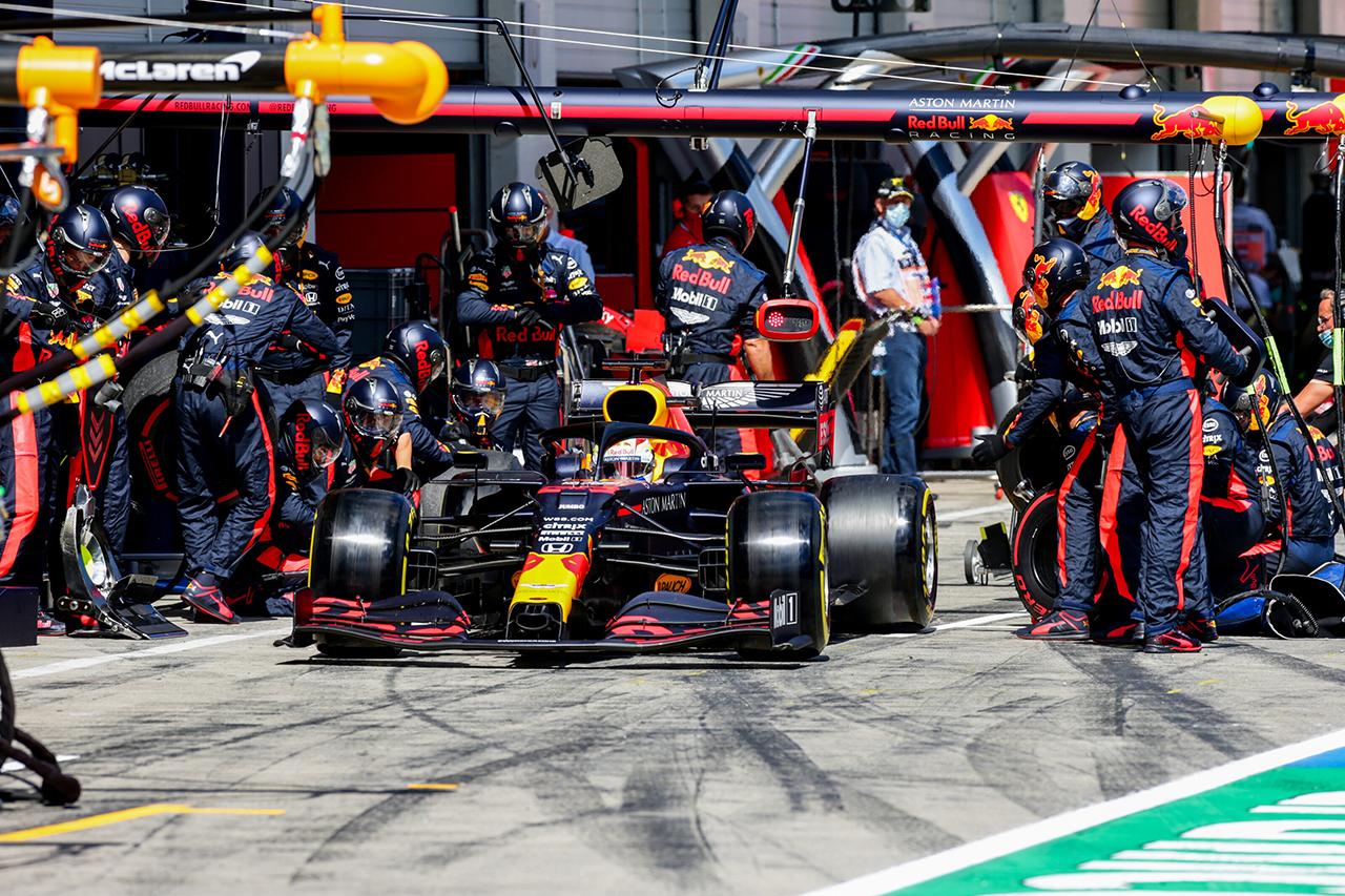 F1レース分析:メルセデスがレッドブル・ホンダに仕掛けた駆け引き / F1シュタイアーマルクGP