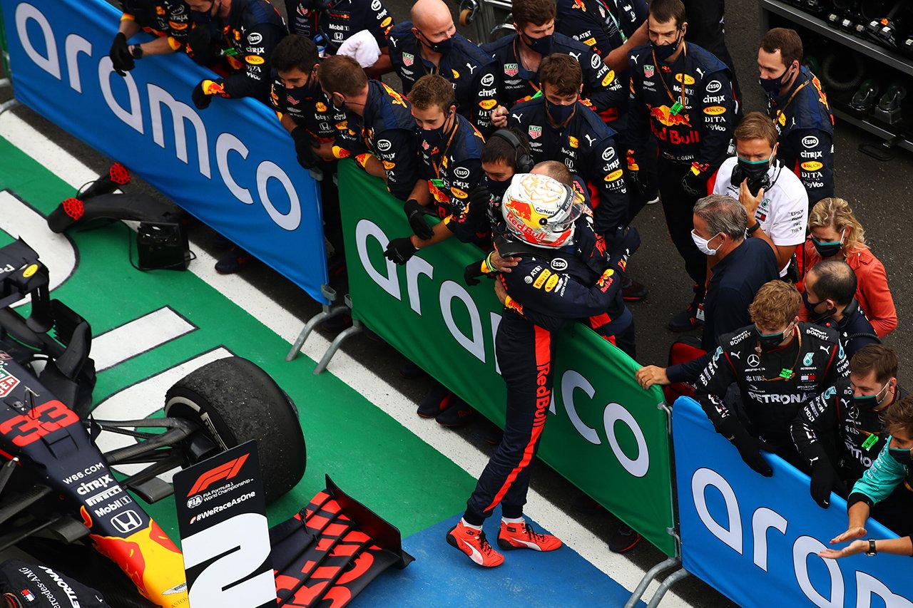 """マックス・フェルスタッペンが振り返る""""クラッシュからの2位表彰台""""  / レッドブル・ホンダ F1ハンガリーGP"""