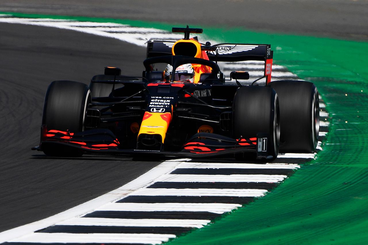 F1イギリスGP フリー走行1回目:レッドブルF1のフェルスタッペンが首位発進。急遽参戦のヒュルケンベルグは9番手