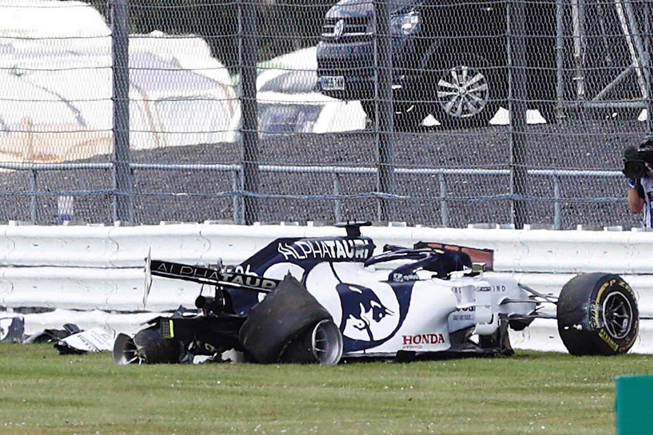 ピレリ 「クビアトのクラッシュはタイヤ自体の問題が原因ではなかった」 / アルファタウリ・ホンダ F1イギリスGP 決勝