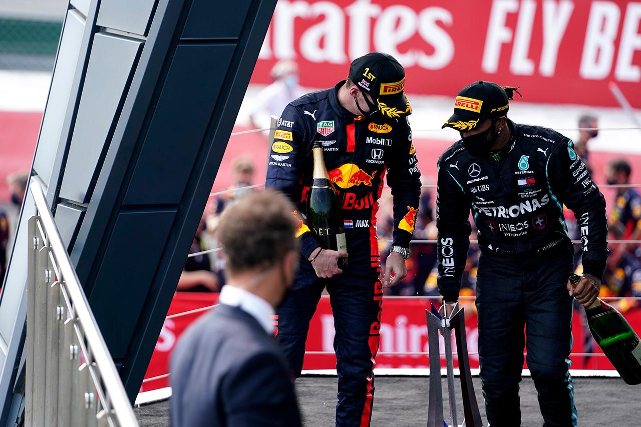 ハミルトン 「レッドブルF1のタイヤ圧不正を本気で疑ったわけじゃない」 / F1 70周年記念GP 決勝