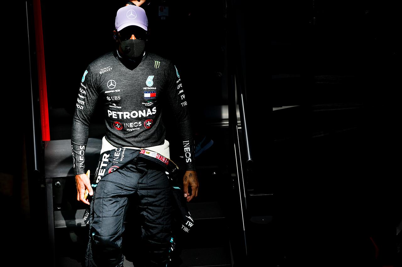 ルイス・ハミルトン、殺人的な暑さにレッドブル・ホンダとの接戦を予想 / メルセデス F1スペインGP 金曜フリー走行