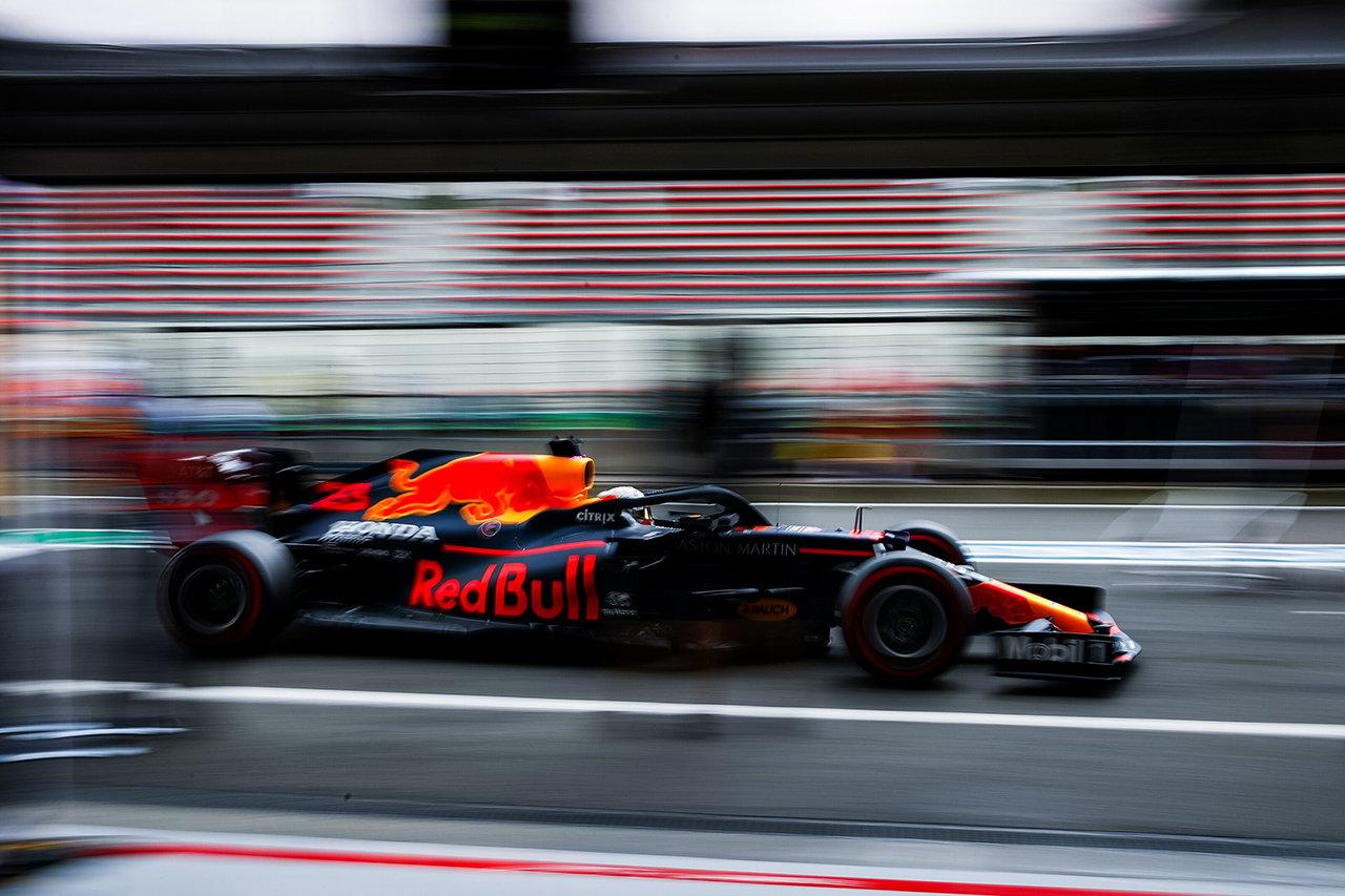 レッドブルF1、ハイレーキ限界説に反論「メルセデスもリア車高を上げている」