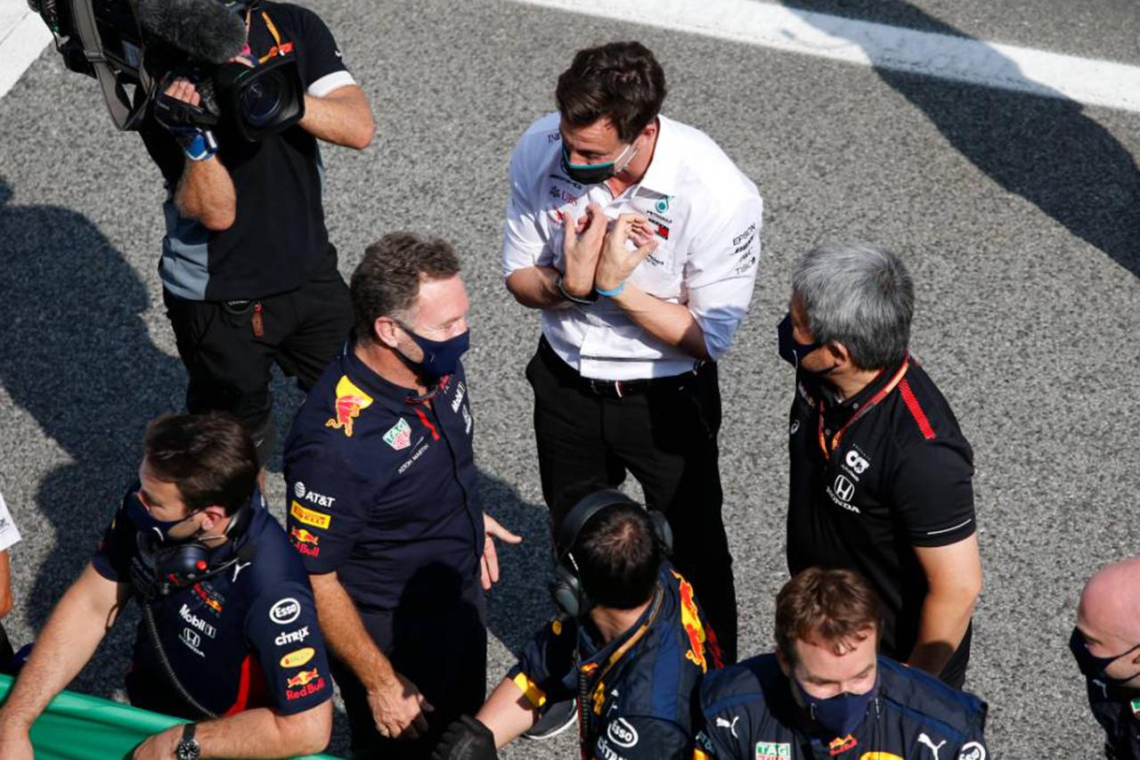 メルセデスF1代表 「レッドブル・ホンダはアンダーカットの機会を逃した」 / F1ベルギーGP 決勝