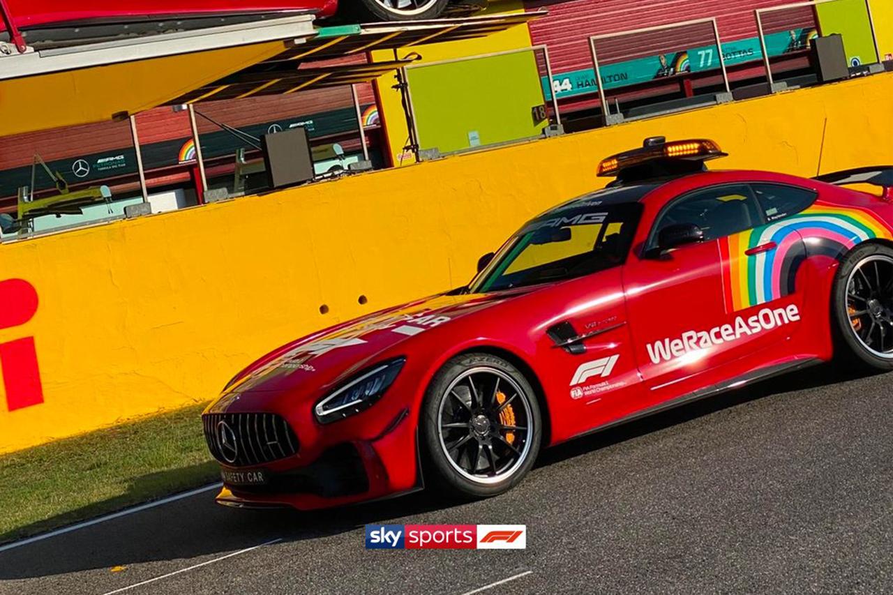 F1トスカーナGP:フェラーリの1000戦目を称えてセーフティカーを赤に塗装