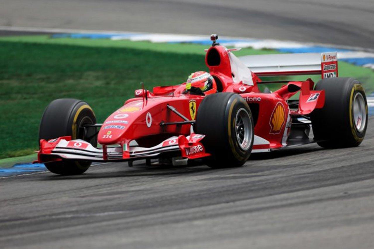 ミック・シューマッハ、F1トスカーナGPで父ミハエルのF2004でデモ走行