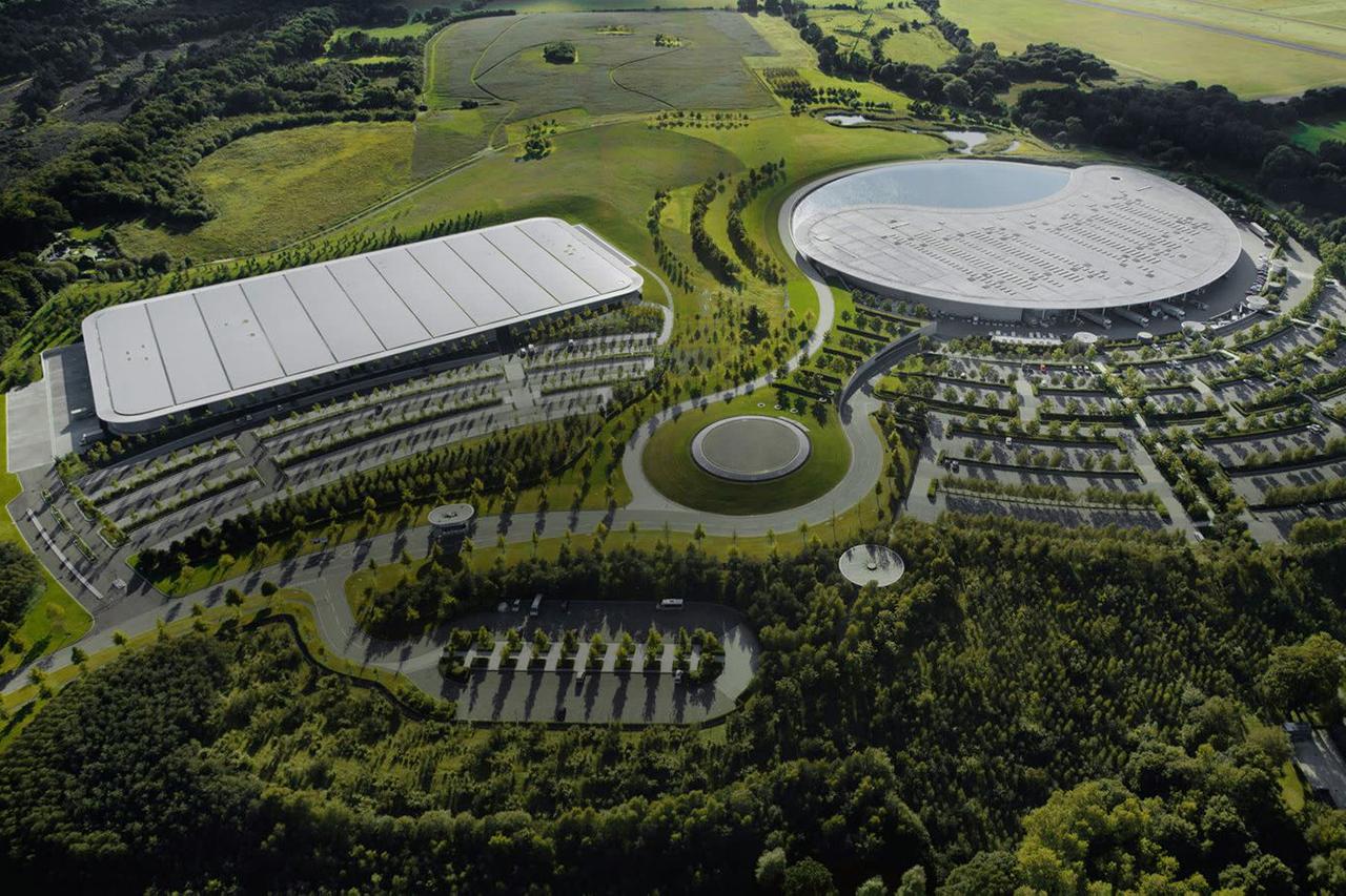 マクラーレン、英国サリー州の本部を約272億円で売却する計画 / F1チームの株式売却も