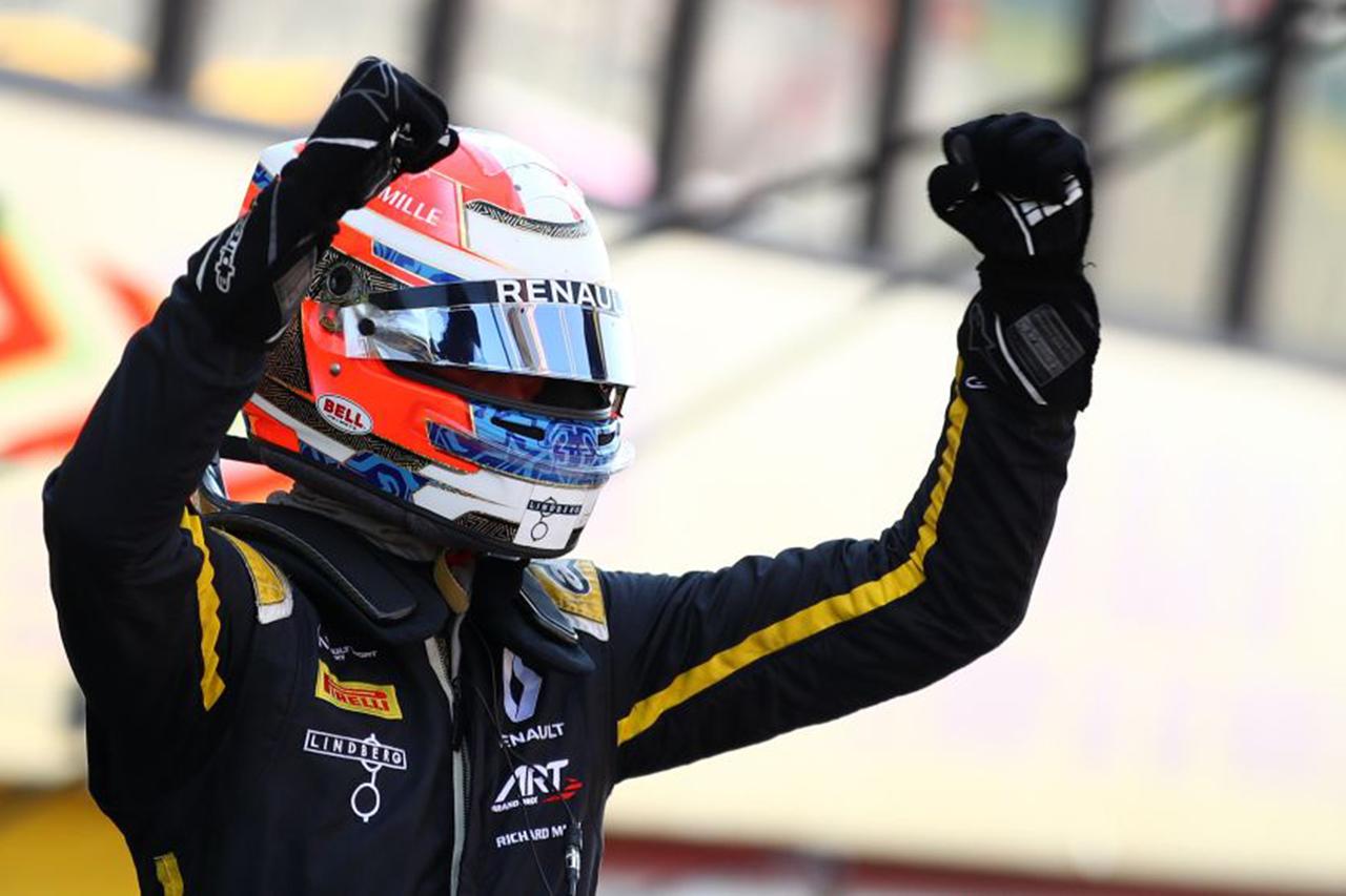 FIA-F2 第9戦 レース2:ルンガーが優勝、佐藤万璃音が8位入賞