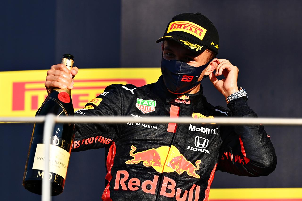 アレクサンダー・アルボン 「ハミルトンとの接触がフラッシュバックした」 / レッドブル・ホンダ F1トスカーナGP 決勝インタビュー