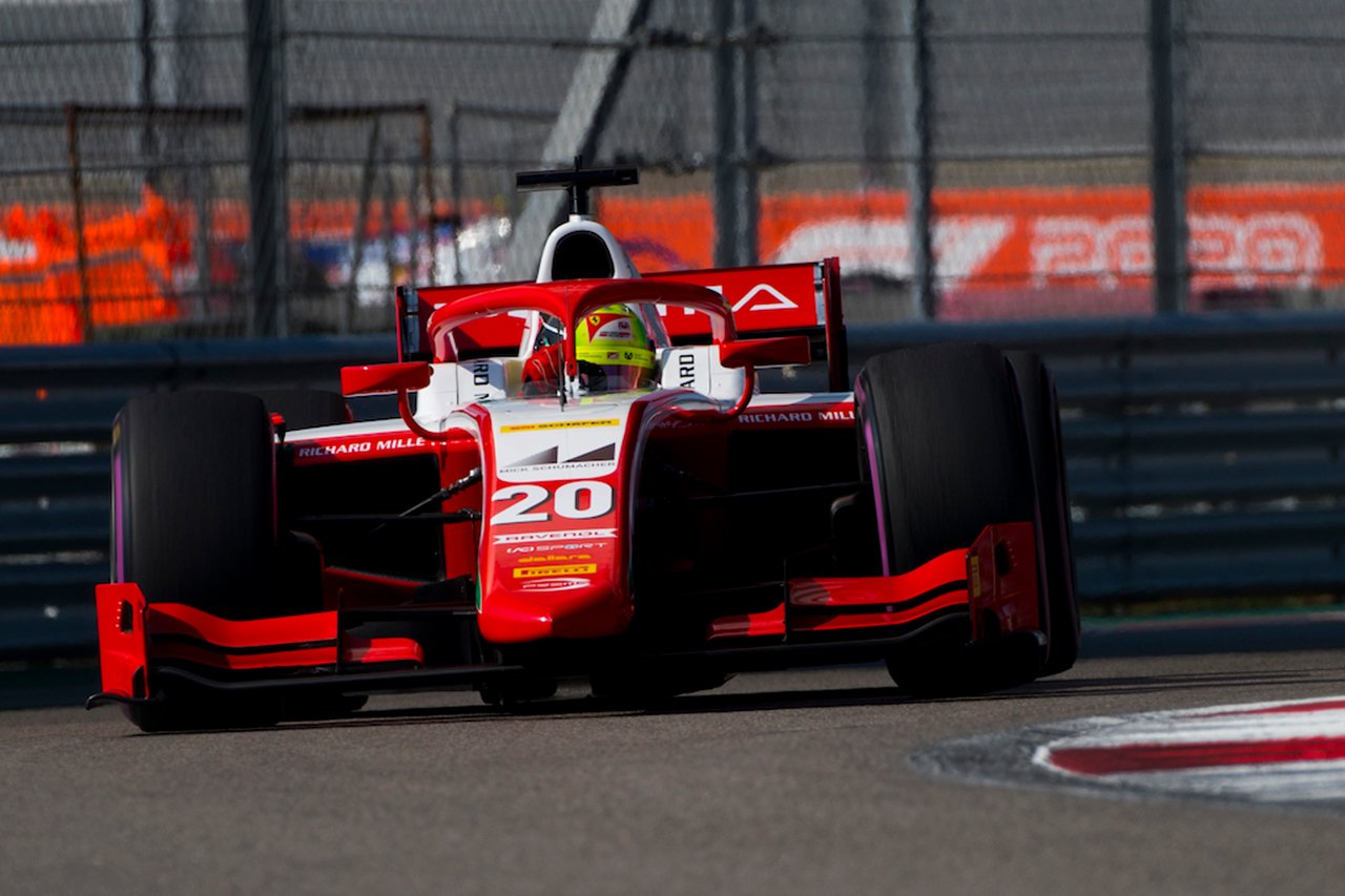 FIA-F2 ロシア レース1:シューマッハが優勝、角田裕毅が2位表彰台でランキング4位に復帰