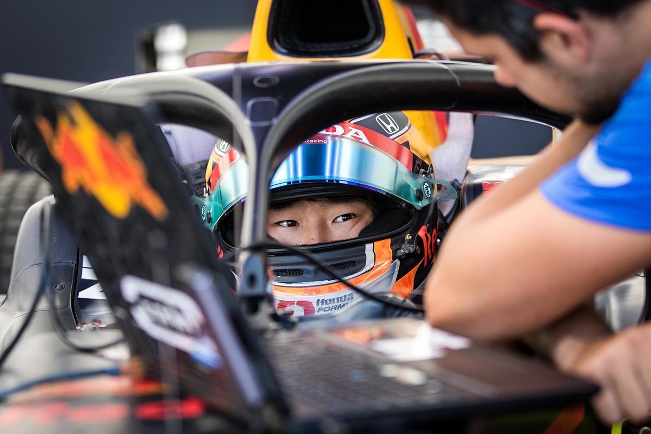 角田裕毅、0.006秒差でポール獲得 「第1コーナーをトップで抜けたい」 / FIA-F2 ロシア大会