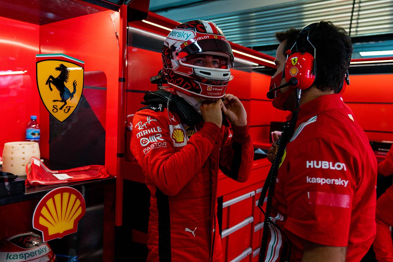 シャルル・ルクレール、チームから誤った情報を伝えられ不満爆発 / フェラーリ F1ロシアGP 予選