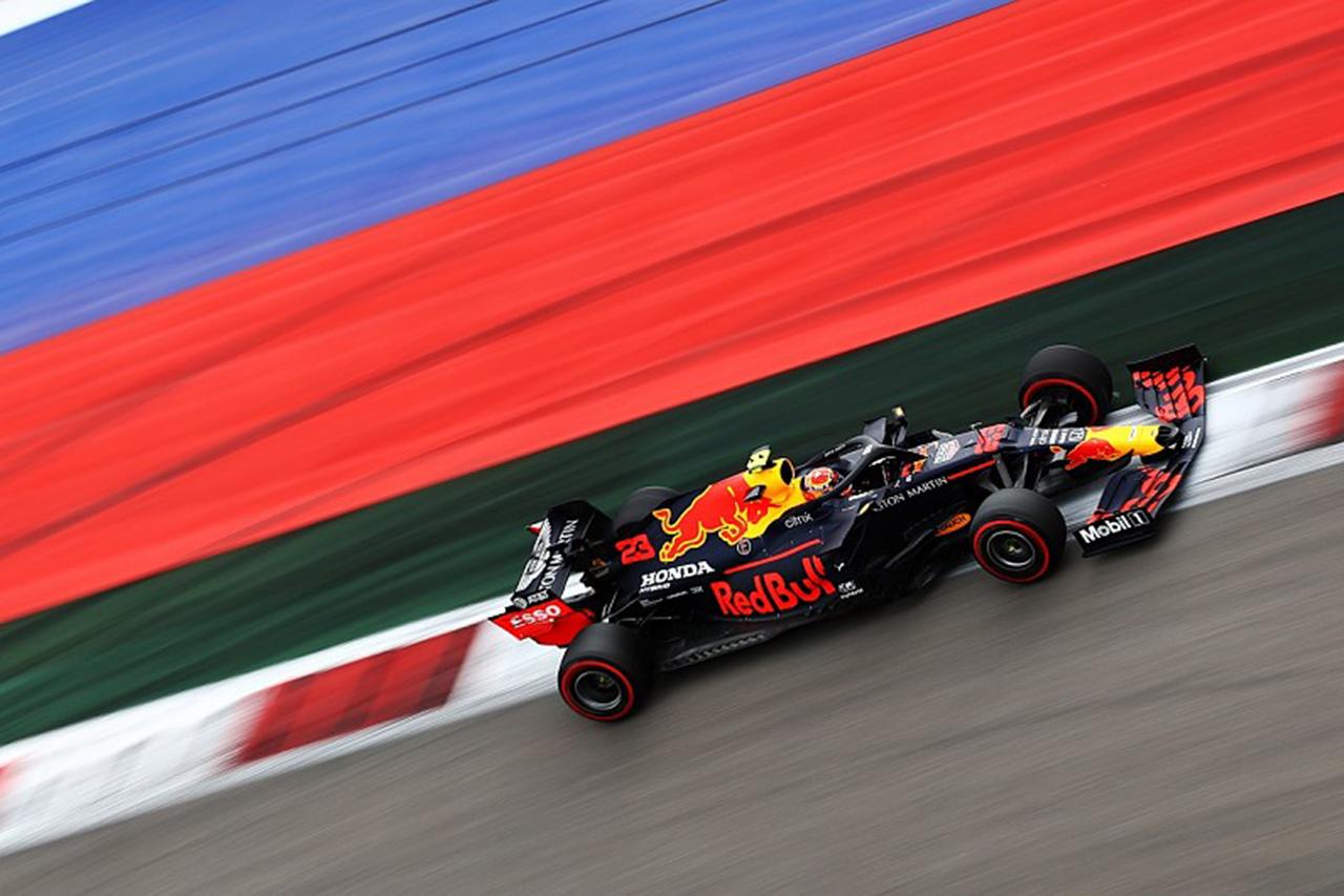 アルボンとラティフィがギアボックス交換で5グリッド降格 / F1ロシアGP