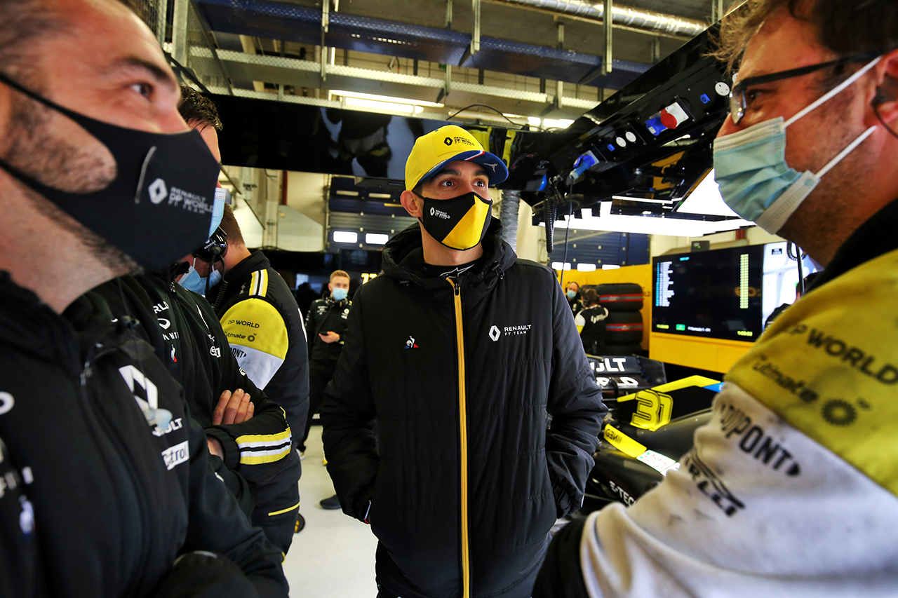 ルノーF1、エステバン・オコンのシート喪失の噂を否定