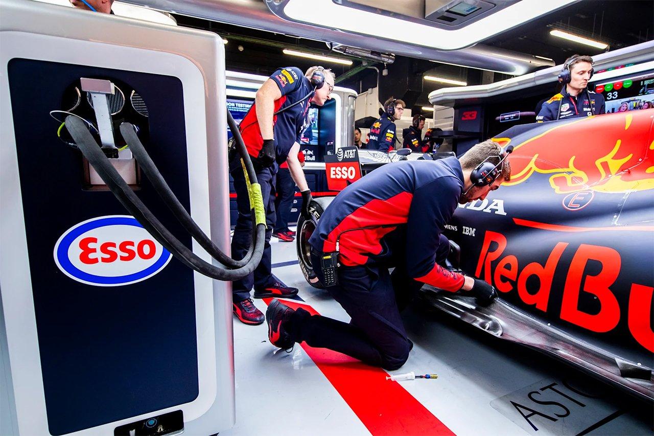 レッドブル・ホンダF1特集:F1用燃料とは? F1マシンの強大なパワーの源