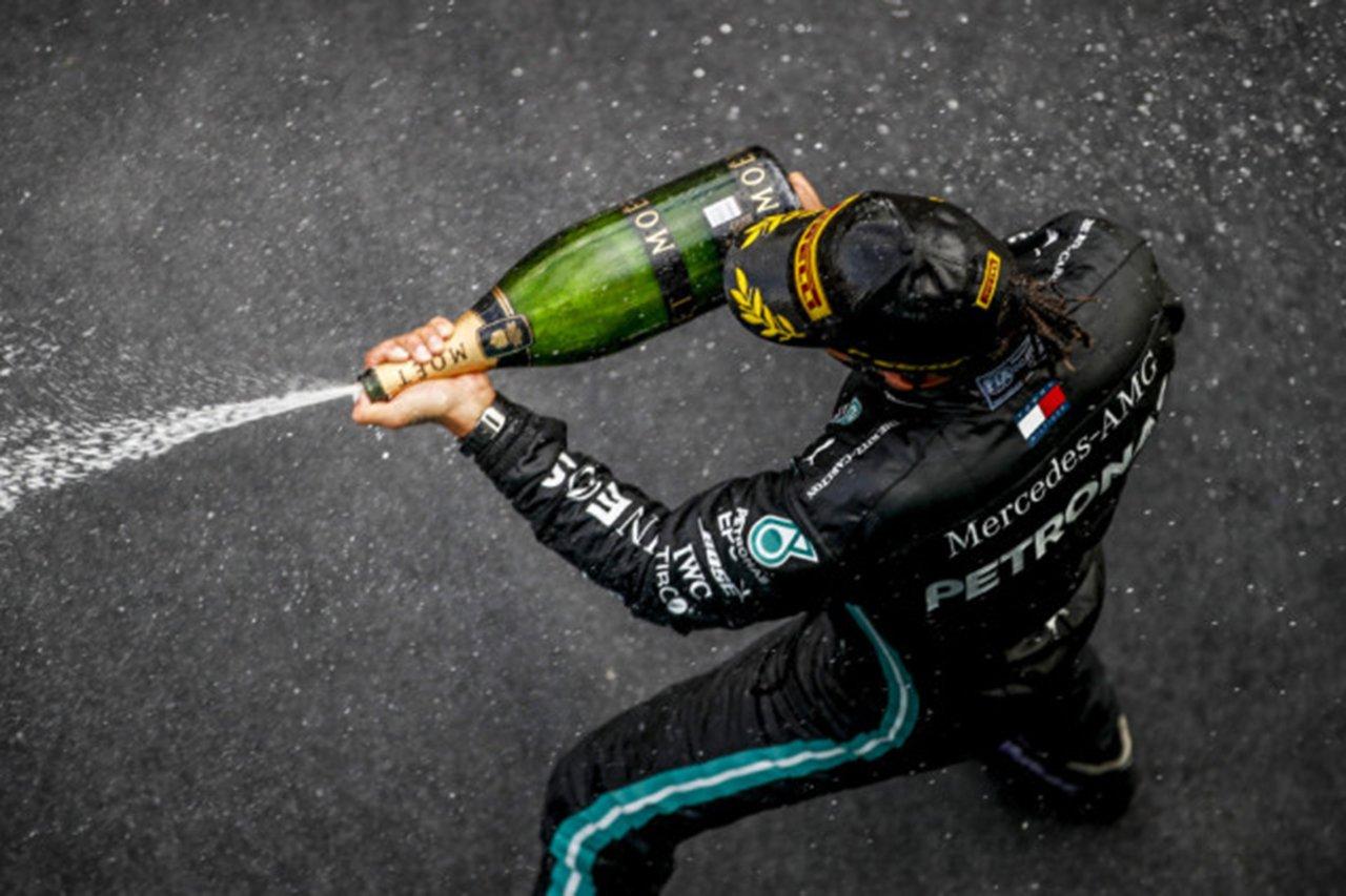 「ハミルトンがシューマッハの遺産で記録を塗り替えていくのは悲劇的」と元F1最高経営責任者