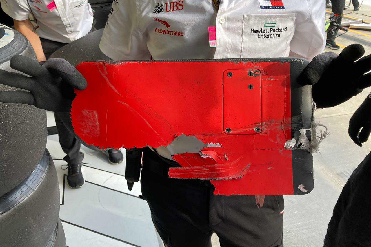 【画像】 バルテリ・ボッタスのマシンに引っかかっていたデブリ…0.7~0.8秒のロス / F1エミリア・ロマーニャGP 決勝
